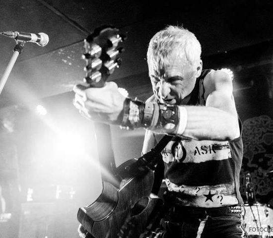 T V SMITH of The Adverts  Sunday gig 2020